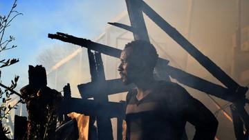 Grecja: imigranci podpalili swój ośrodek na wyspie Lesbos [ZDJĘCIA]