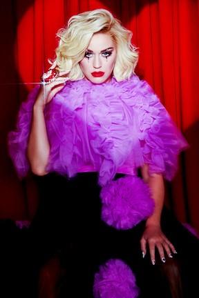 """2020-09-02 Katy Perry mówi """"Smile"""". Posłuchaj nowego albumu!"""
