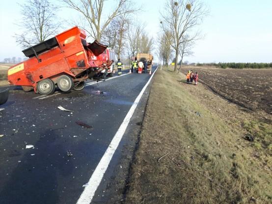Maszyna drogowa uległa uszkodzeniu.