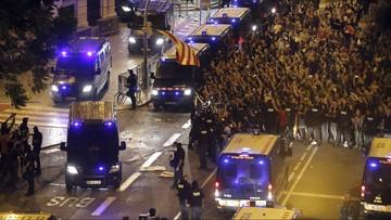 Katalończycy nękają policjantów wysłanych do zablokowania referendum. Wicepremier Hiszpanii: mafijne zachowanie