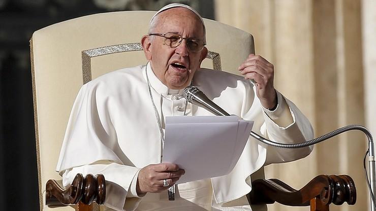 Papież: podsycanie strachu przed migrantami to sianie przemocy