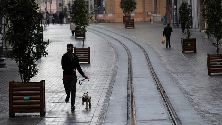 Zamknięte sklepy, ograniczenia w przemieszczaniu. Litwa zaostrza restrykcje do końca roku