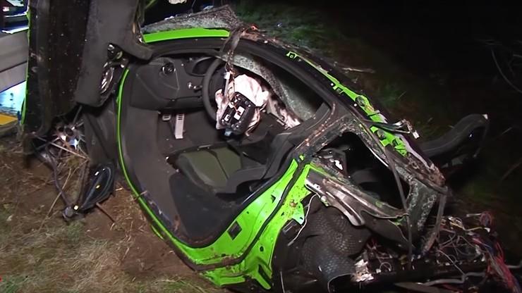 Jechał McLarenem 570S z prędkością 300 km/h. Auto rozpadło się na kilka części. Zginęła pasażerka