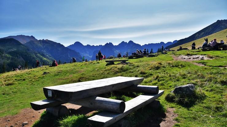 Powiat tatrzański w czerwonej strefie. Czy turyści w górach muszą nosić maseczki?