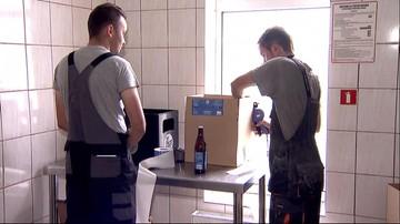 """Niepełnosprawni intelektualnie warzą piwo w Pucku. """"Widać na każdym kroku postęp"""""""