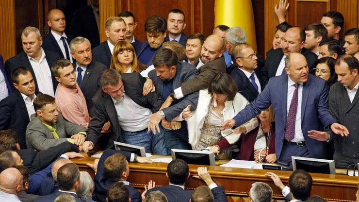 Przepychanki w ukraińskim Parlamencie. Ustawa uznająca Rosję za agresora przyjęta w pierwszym czytaniu