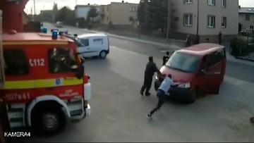 Zaparkował auto przed remizą, strażacy nie mogli wyjechać do pożaru