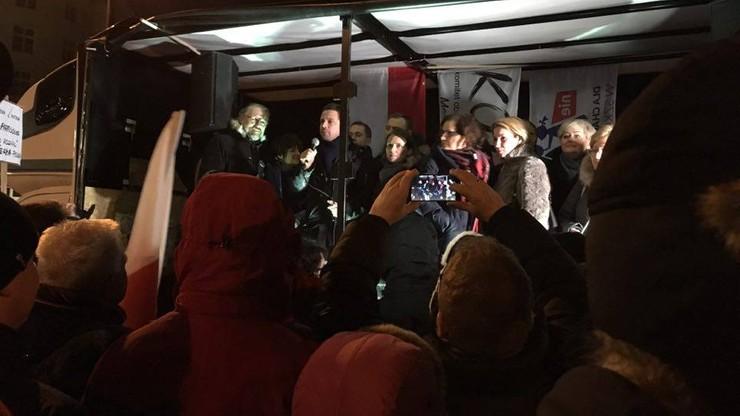 KOD protestuje w obronie demokracji i dziennikarzy