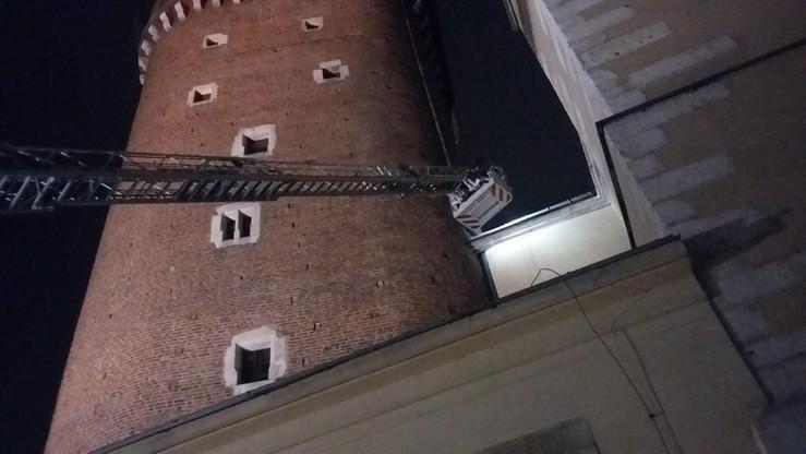 Dwóch mężczyzn wspinało się na dachy Wawelu. Ściągała ich straż pożarna
