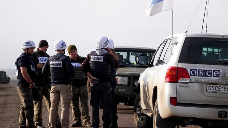 Siły rządowe Ukrainy i separatyści wycofują się z linii frontu w Donbasie