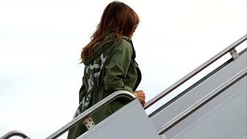 """Melania Trump założyła kurtkę z napisem """"Nie obchodzi mnie to"""". Na spotkanie z dziećmi imigrantów"""