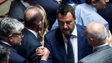 """Włochy: parlament przerwie wakacje w związku z kryzysem w koalicji. """"Salvini, bredzisz, błaźnie"""""""