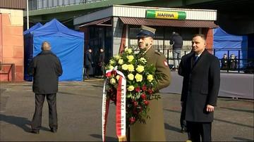 Prezydent złożył kwiaty pod tablicą upamiętniającą Polaków, którzy opuścili kraj w Marcu'68