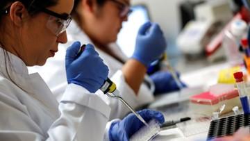 """Sukces polskich naukowców. Wyizolowali koronawirusa z próbki """"pacjenta zero"""""""