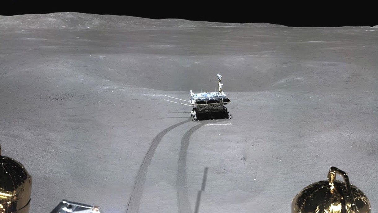 Misja Chang'e-4 przesyła piękne obrazy niewidocznej z Ziemi powierzchni Księżyca