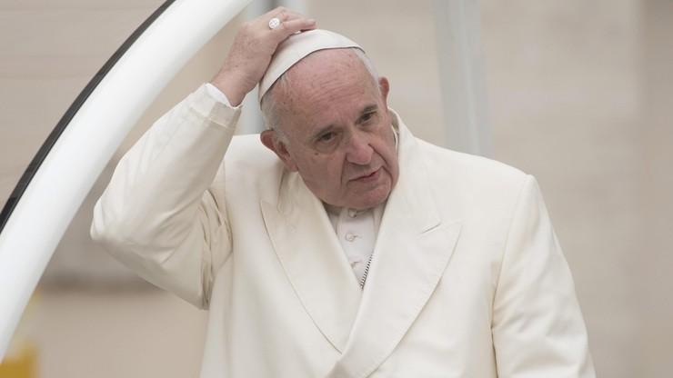 """Papież potępił zamachy w Brukseli i nazwał je """"okrutną nikczemnością"""""""