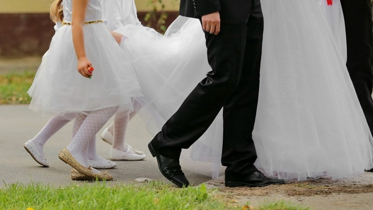 Koronawirus na weselu. 20 osób zakażonych, ponad 260 w kwarantannie