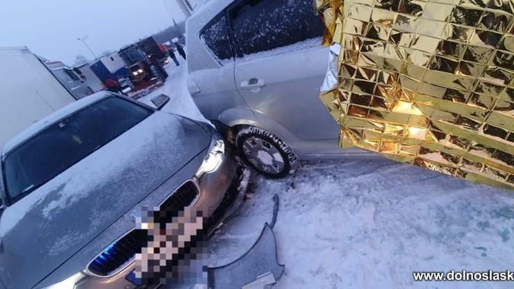 Pościg za kradzionym autem. Kierowca próbował potrącić policjanta