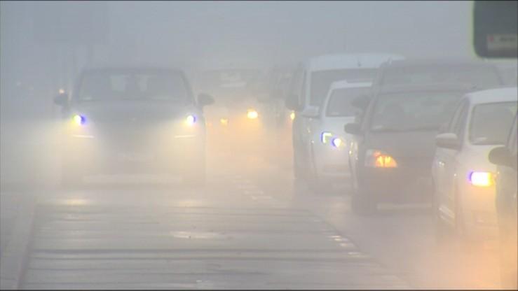 Utrudnienia na drodze z powodu mgły, w nocy możliwa gołoledź