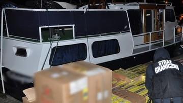 Papierosy i bursztyn transportowali łodziami przez Zalew Wiślany. Przemytnicy usłyszeli wyroki