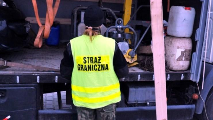 Skradzione zagęszczarki i ścigany mężczyzna. Transport ze Szwecji