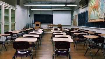 Nauczyciel biologii zawieszony. Mówił, że istnieją tylko dwie płcie