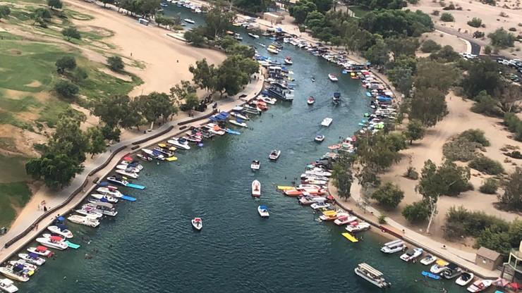 Czołowe zderzenie łodzi na rzece Kolorado. Dwie osoby zaginione, wielu rannych