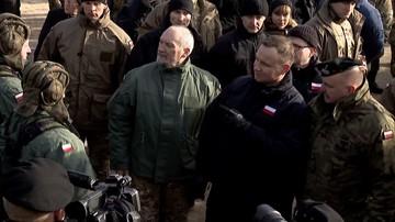 """PO chce zawieszenia Macierewicza. Żąda wyjaśnień ws. jego powiązań z osobami """"stanowiącymi zagrożenie dla bezpieczeństwa państwa"""""""