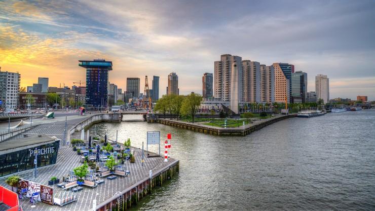 Holandia. Władze Rotterdamu montują na ulicach urządzenia do odstraszania młodzieży