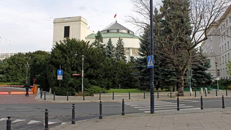 Opinia Komisji Weneckiej w końcu dotarła do Sejmu. Trafiła do klubów parlamentarnych