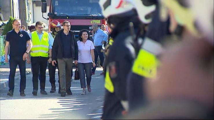 Nowa Biała. Premier na miejscu potężnego pożaru. Zapewnił, że pogorzelcy nie zostaną bez pomocy