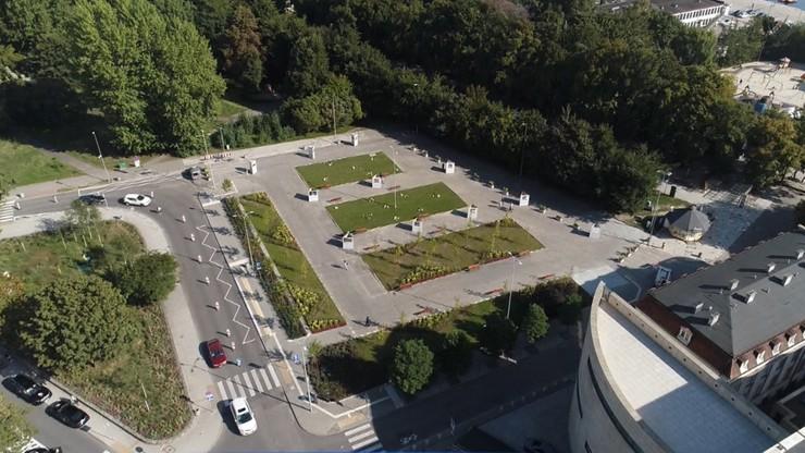 Gdynia walczy z betonozą. Popularny parking zmieniony na skwer miejski
