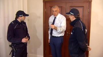 """Giertych wezwał policję do """"okupantów z TVP"""". """"Prywatne domy nie należą jeszcze do PiS"""""""