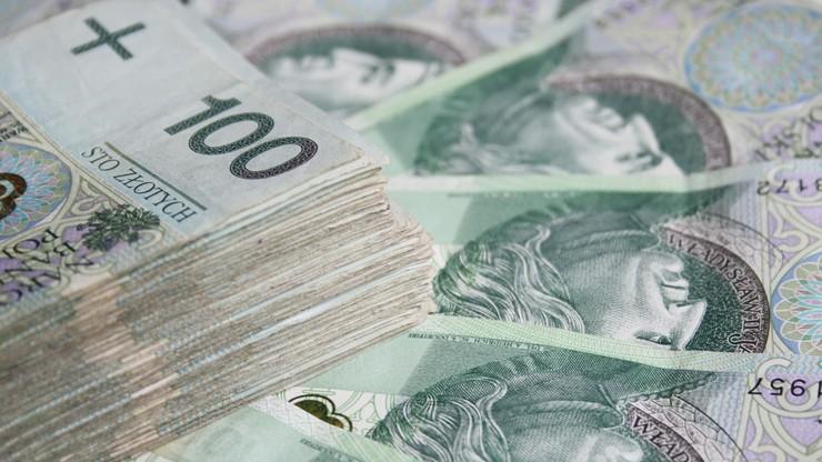 75-latka zostawiła w autobusie 25 tys. zł. Pieniądze wróciły do właścicielki