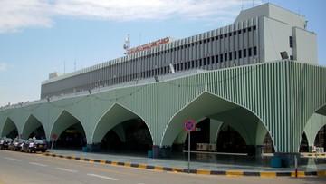 Atak rakietowy na międzynarodowe lotnisko w Trypolisie. Jeden z pocisków trafił w samolot