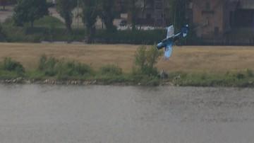 Samolot spadł do Wisły podczas pokazów lotniczych w Płocku. Pilot nie żyje
