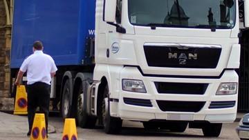 """Ciało Polaka znalezione w ciężarówce we Włoszech. """"Śmierć z powodu nieludzkich warunków pracy"""""""