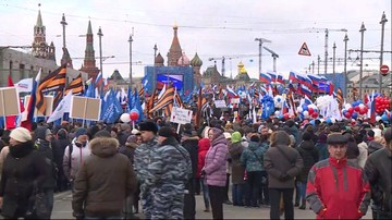 Demonstracja proputinowska w Moskwie w 2. rocznicę aneksji Krymu. Prezydent odwiedził Półwysep