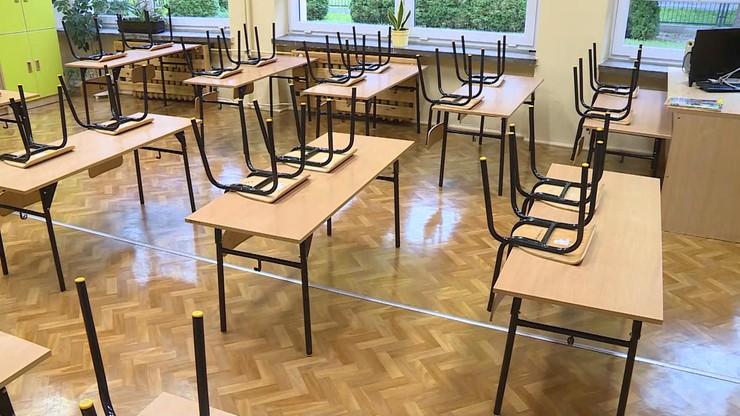 Nauczanie zdalne w liceum w Świdniku. Prawie stu uczniów zostało w domach