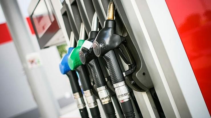 Obniżki cen na stacjach paliw z powodu... koronawirusa