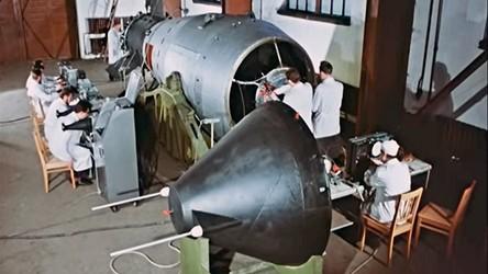 Rosjanie odtajnili filmy z detonacji najpotężniejszej bomby wodorowej w historii [FILM]