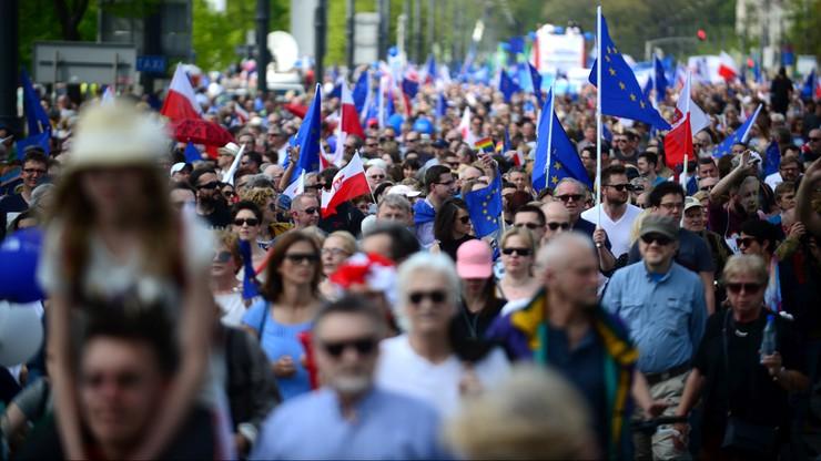 """Ile osób na """"Marszu Wolności""""? Duże rozbieżności w danych ratusza i policji"""