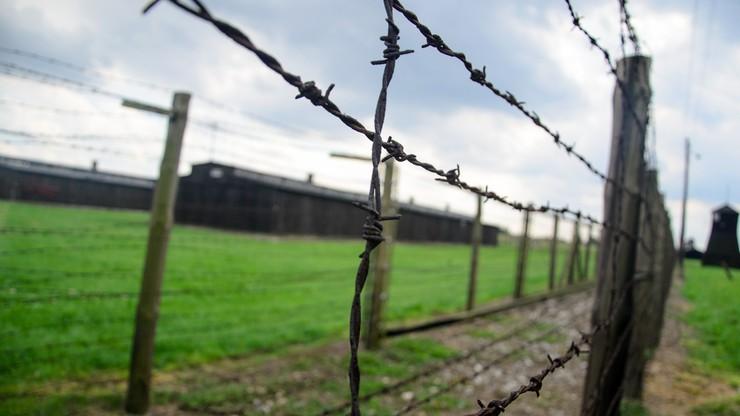 Niemcy: Trzej mężczyźni oskarżeni o gloryfikowanie nazizmu