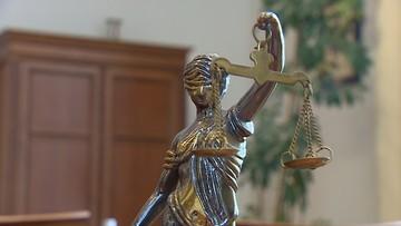 """""""Sędziowie podajcie się do dymisji""""; """"#zepsulicięPolsko"""". Komentarze po zawieszeniu KRS"""