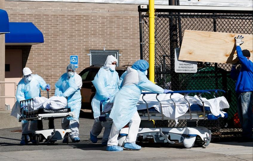 """Koronawirus zabije około 60 tysięcy Amerykanów. """"Nie czujemy, że najgorsze już za nami"""""""
