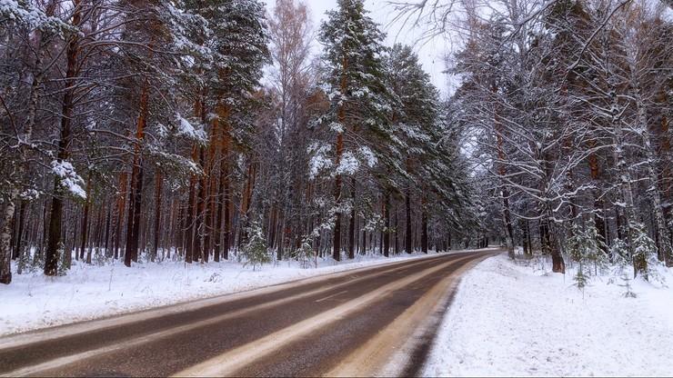Oblodzenia dróg na północy kraju. Ostrzeżenie IMGW