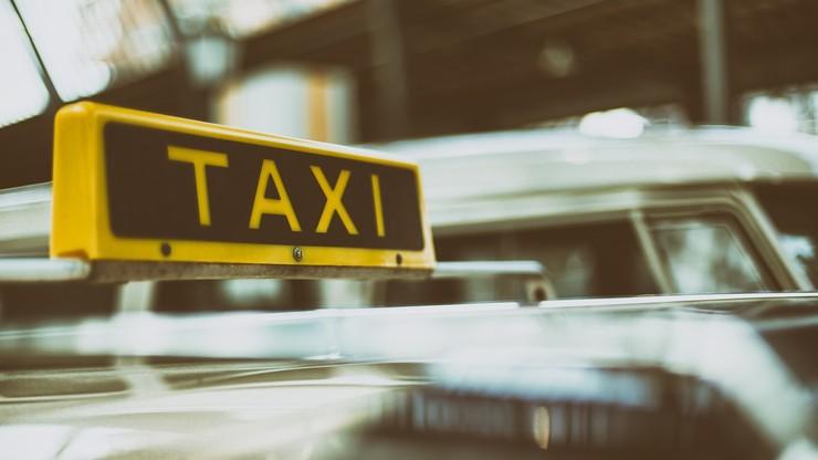 Pasażer pobił taksówkarza. Bo zepsuł mu się samochód
