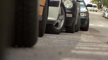 Sąd: opłaty za odholowanie auta w Warszawie w 2016 r. niezgodne z prawem