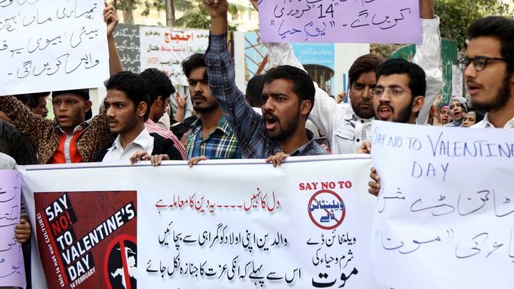 Sąd zakazał obchodów walentynek. Po protestach Pakistańczyków
