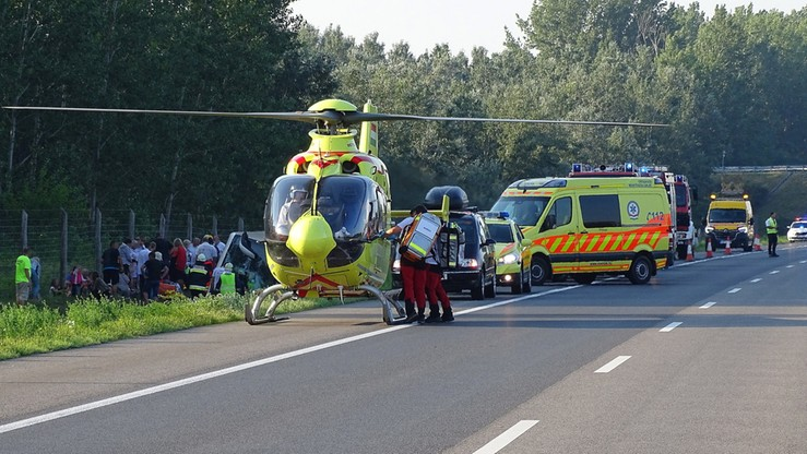 """Wypadek polskiego autokaru. """"Wracał do kraju z Bułgarii"""" [ZDJĘCIA]"""